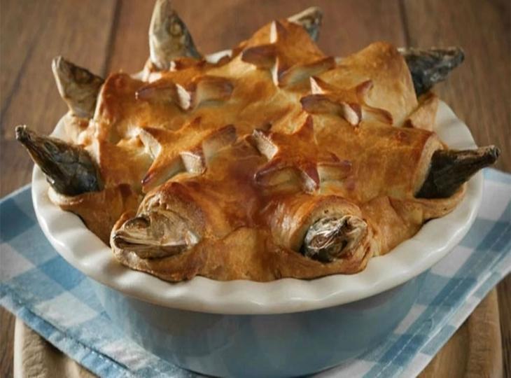 Món bánh đầu cá nhấp nhô của Anh và ý nghĩa