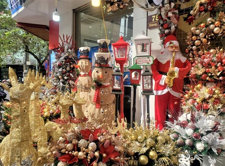 Khám phá các điểm vui chơi Giáng Sinh cực chill của Hà Nội